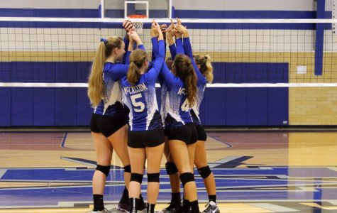 Volleyball tops Austin, Travis, Crockett to reach 5-0