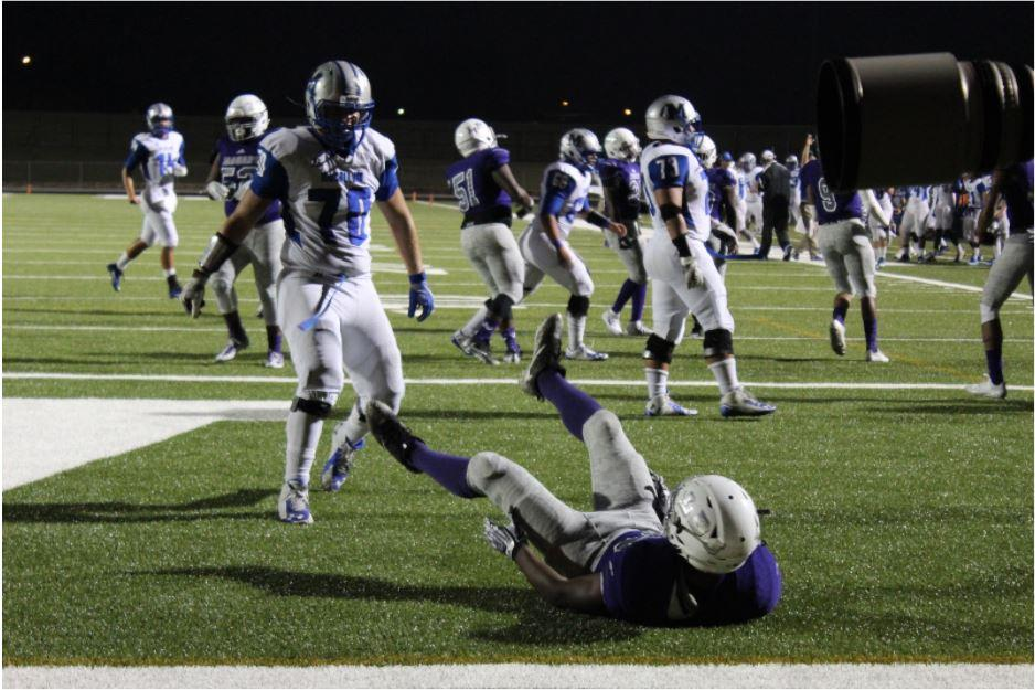 McCallum ran through LBJ, tallying 500 yards rushing on 46 carries,  Photo by Gracie Ross.