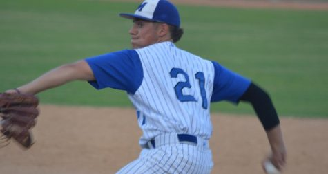 McCallum races past Reagan to go 10-0