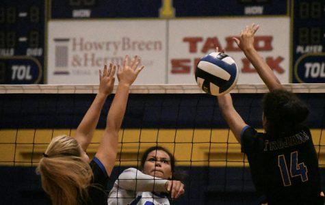 Visiting varsity beats host Anderson in volleyball version of Taco Shack Bowl