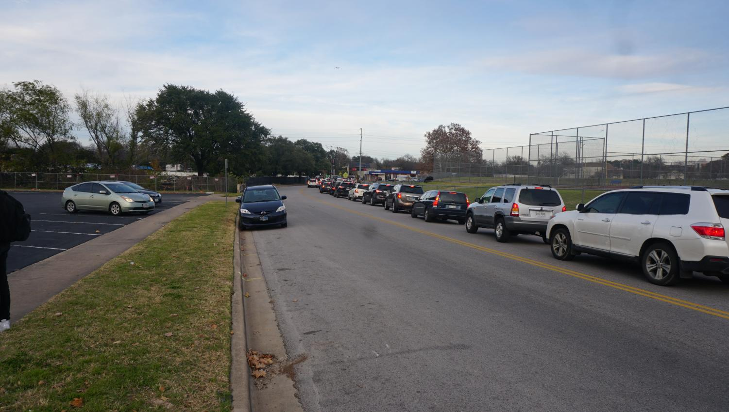 Traffic on Grover Avenue after the dismissal bell. Traffic on the street is already a problem, and some fear the new apartment complex will exacerbate the issue. Photo by Janssen Transier.