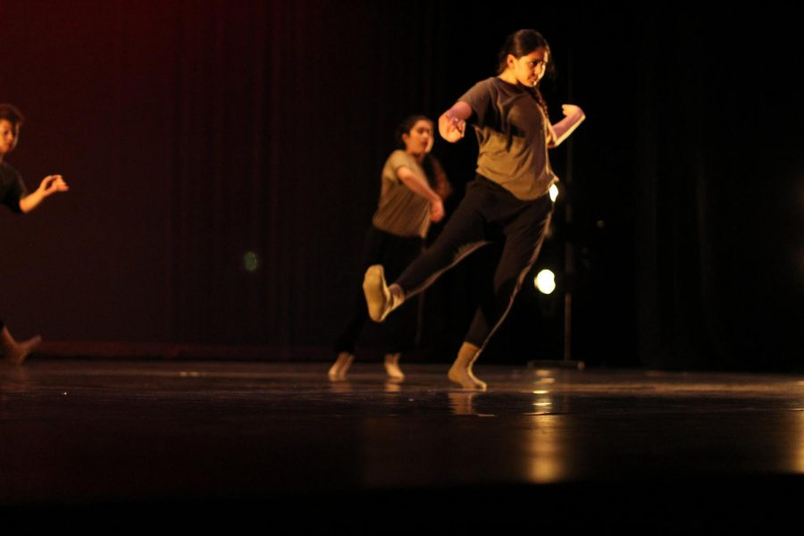 Momentum Spring Dance Concert Act 2 -- Idiosyncratic Perfections choreography -- Jesse Quezada music -- Putty Boy Strut by BADBADNOTGOOD performed by Terrel Hall, Liliette Rodrigues-Aguero, Jessenia Shiguango, Mariana Torres DeLine and Wynter Winston