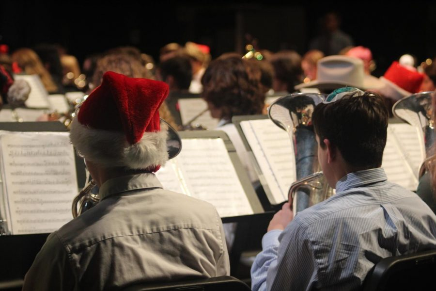 Holiday+music+concerts%2C+like+the+band%27s+holiday+concert+in+the+Mac+last+Monday%2C+should+equally+represent+all+cultures.+Alongside+Christmas+favorites+like+%E2%80%9CSleigh+Ride%2C%E2%80%9D+%E2%80%9CPolar+Express%E2%80%9D+and+%22Christmas+Festival%2C%22+the+band+also+played+%E2%80%9CThree+Moods+of+Hanukkah.%E2%80%9D+