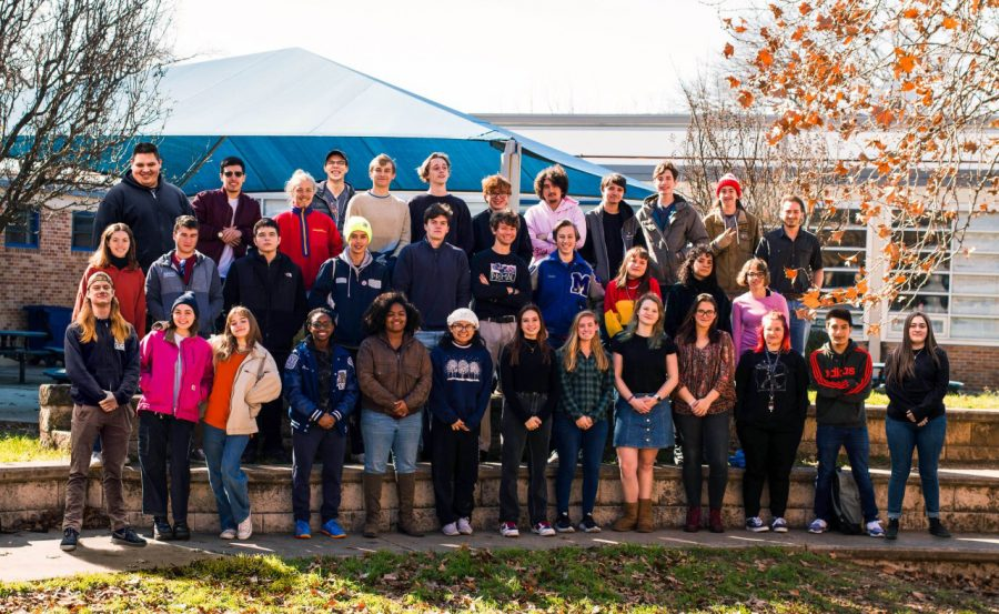 Mac+seniors+who+were+also+members+of+the+Brenwood+Elementary+Class+of+2013+pose+in+the+fine+arts+courtyard+for+the+senior+ad+in+the+2020+yearbook.+Photo+by+Ian+Clennan.
