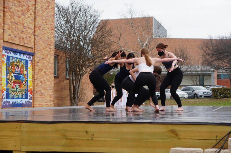 Junior Charlize Cevallos, junior Elise Crouse, senior Avery Miller, senior Dorothy Ann Smith and senior Emma Wallace embrace during
